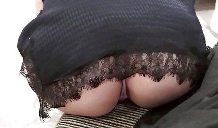 아름다운 소녀와 섹시한 엘레나 크라 베츠르 여자입니다.