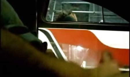 큰 엉덩이 Lada 굴을 벗고 항문