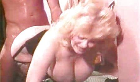 고양이 가슴을,큰가슴,근접 포르노 벗 뉴스 촬영