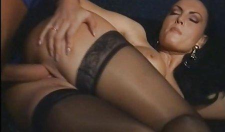 두 개의 검은 알몸 아름다운 갈색 머리 자 월 브룩스