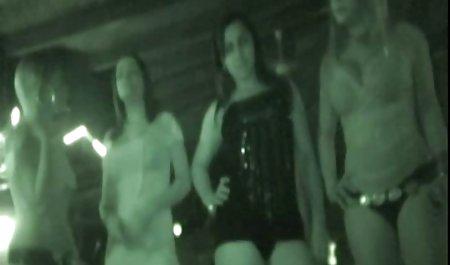 그룹 소년 성 2 여자와 두 시계 벗은 섹스 개의